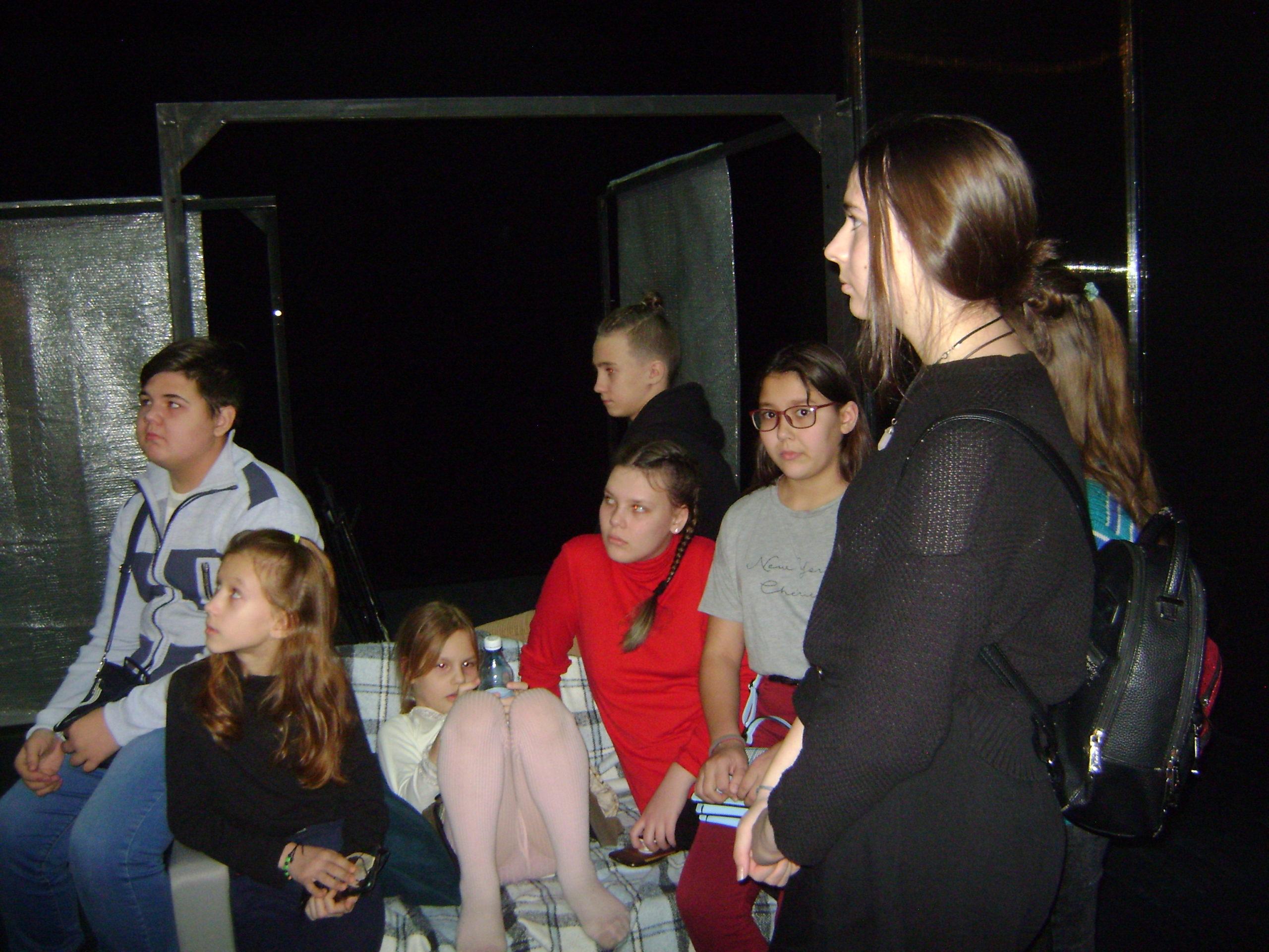 в театре для детей и молодежи (11)