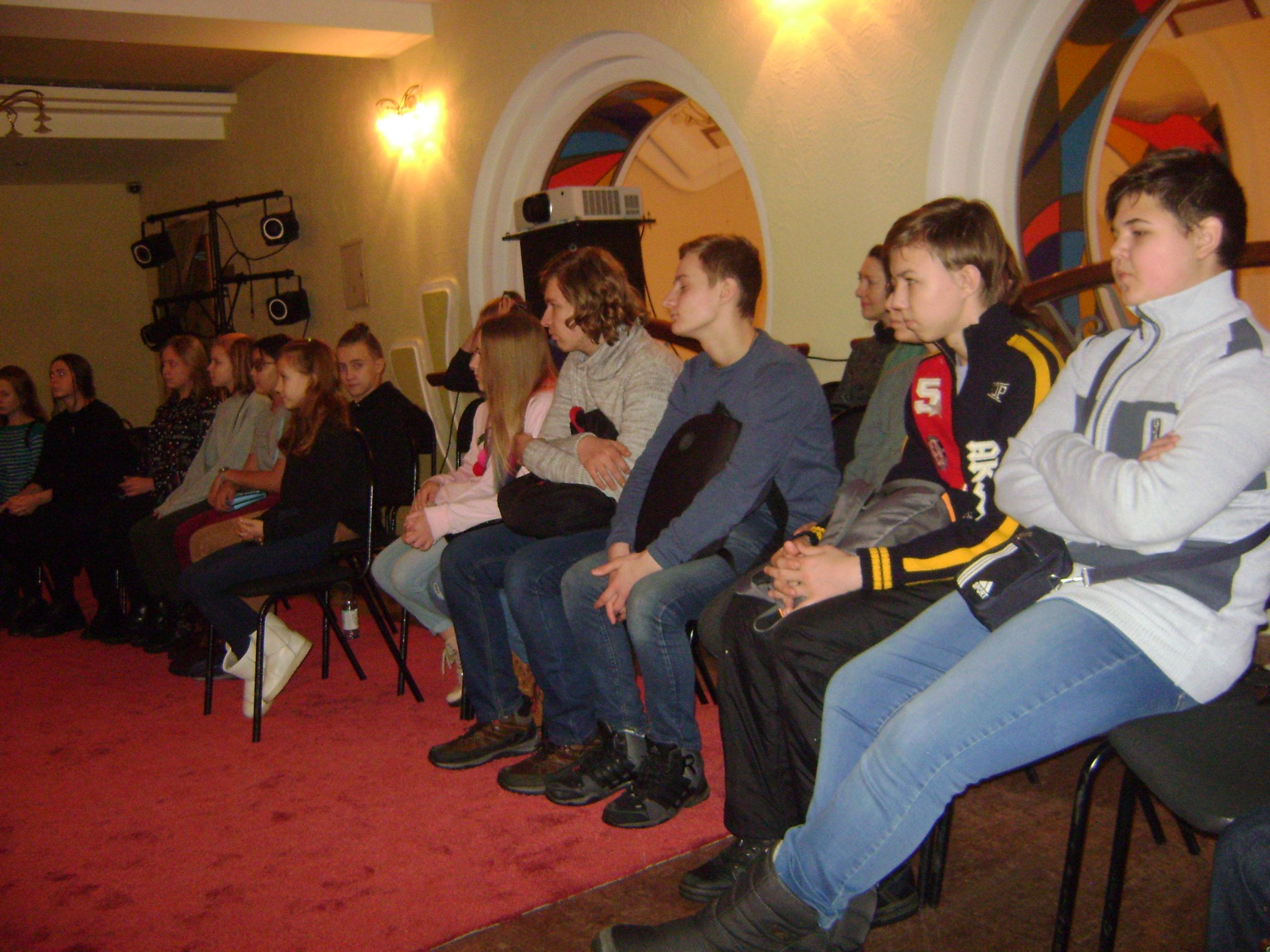 в театре для детей и молодежи (5)